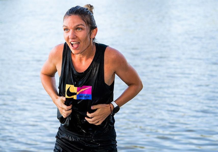 Simona Halep a sărbătorit câştigarea celui de-al 21-lea trofeu al carierei în râul Vltava