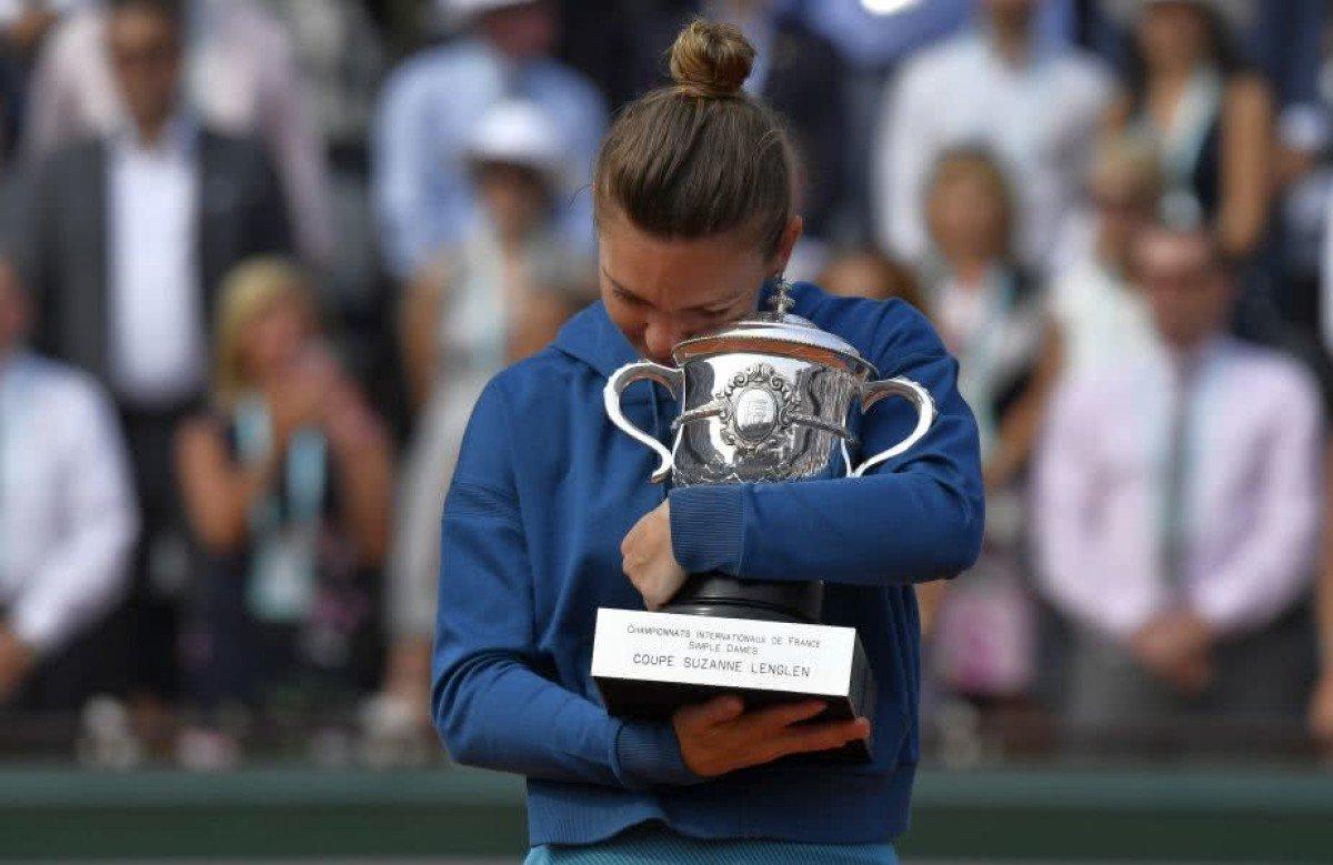 Simona Halep câştigă primul Grand Slam din carieră